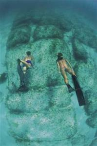 Мегалиты возле острова Бимини